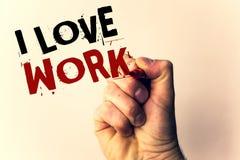 Κείμενο γραφής που γράφει την εργασία αγάπης Ι Έννοια έννοιας για να είναι ευτυχής ότι ικανοποιημένος με την εργασία κάνει τι εσε Στοκ εικόνα με δικαίωμα ελεύθερης χρήσης