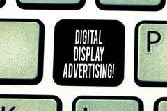 Κείμενο γραφής που γράφει τη διαφήμιση ψηφιακής επίδειξης Η έννοια έννοιας μεταβιβάζει ένα εμπορικό μήνυμα χρησιμοποιώντας τη γρα στοκ εικόνες με δικαίωμα ελεύθερης χρήσης