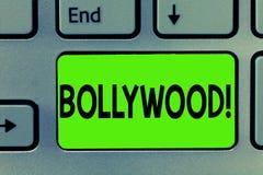 Κείμενο γραφής που γράφει Bollywood Έννοια που σημαίνει την ινδική δημοφιλή κινηματογραφία Mumbai βιομηχανίας κινηματογράφων ταιν στοκ εικόνες