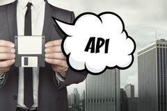 Κείμενο API στη λεκτική φυσαλίδα με τον επιχειρηματία Στοκ φωτογραφία με δικαίωμα ελεύθερης χρήσης