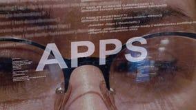 Κείμενο APPS στο υπόβαθρο του θηλυκού υπεύθυνου για την ανάπτυξη απόθεμα βίντεο