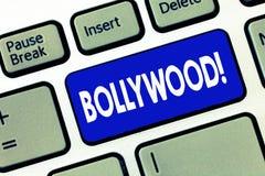 Κείμενο Bollywood γραψίματος λέξης Επιχειρησιακή έννοια για την ινδική δημοφιλή κινηματογραφία Mumbai βιομηχανίας κινηματογράφων  στοκ φωτογραφία