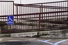 κεκλιμένη ράμπα αναπηρίας Στοκ Εικόνα