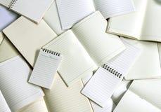 κενά έγγραφο σημειωματάριων και υπόβαθρο σημειωματάριων Στοκ φωτογραφίες με δικαίωμα ελεύθερης χρήσης