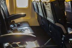 Κενά καθίσματα και Windows αεροσκαφών Στοκ φωτογραφίες με δικαίωμα ελεύθερης χρήσης