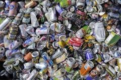 Κενά δοχεία ποτών για την ανακύκλωση Στοκ εικόνες με δικαίωμα ελεύθερης χρήσης