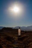 Κενά τσαλακωμένα πλαστικά μπουκάλια του νερού που εγκαταλείπονται στην έρημο Στοκ Εικόνες