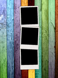κενά polaroids τρία ανασκόπησης ξύλ&io Στοκ εικόνα με δικαίωμα ελεύθερης χρήσης