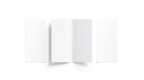 Κενή άσπρη δύο διπλωμένη χλεύη βιβλιάριων επάνω, που ανοίγουν και κλειστή Στοκ Εικόνες