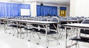 Κενή αίθουσα διάλεξης σπουδαστών στοκ φωτογραφία