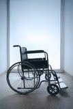 κενή αναπηρική καρέκλα Στοκ εικόνα με δικαίωμα ελεύθερης χρήσης