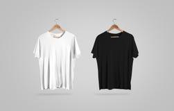 Κενή γραπτή μπλούζα στην κρεμάστρα, πρότυπο σχεδίου Στοκ φωτογραφίες με δικαίωμα ελεύθερης χρήσης