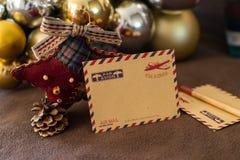 Κενή εκλεκτής ποιότητας κάρτα με τις διακοσμήσεις Χριστουγέννων Στοκ Εικόνες