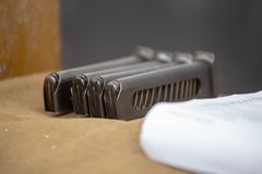 Κενή κασέτα για το πιστόλι Περιοδικό περίστροφων στοκ εικόνες