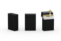 Κενή μαύρη συσκευασία των τσιγάρων με το ψαλίδισμα της πορείας απεικόνιση αποθεμάτων