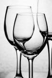 Κενή ομάδα γυαλιού η ανασκόπηση απομόνωσε το λευκό Στοκ φωτογραφία με δικαίωμα ελεύθερης χρήσης