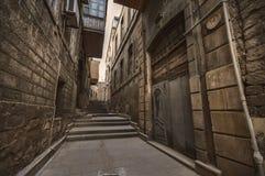 Κενή οδός στην παλαιά πόλη του Μπακού, Αζερμπαϊτζάν Παλαιά πόλη Μπακού Κτήρια καρδιών της πόλης Στοκ εικόνες με δικαίωμα ελεύθερης χρήσης