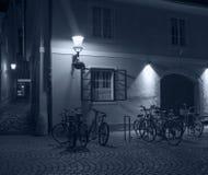 Κενή οδός τη νύχτα, Λουμπλιάνα, Σλοβενία Στοκ Φωτογραφία