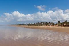 Κενή παραλία Aruana, Aracaju, κράτος Sergipe, Βραζιλία Στοκ φωτογραφία με δικαίωμα ελεύθερης χρήσης