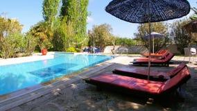 Κενή πισίνα, θέρετρο διακοπών, προορισμός ταξιδιού φιλμ μικρού μήκους