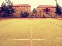Κενή πύλη Υπαίθρια πλαστική ανοικτό πράσινο επιφάνεια παιδικών χαρών ποδοσφαίρου ή χάντμπολ Στοκ Φωτογραφία