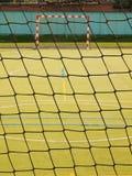 Κενή πύλη χάντμπολ Υπαίθρια παιδική χαρά ποδοσφαίρου ή χάντμπολ, πλαστική ανοικτό πράσινο επιφάνεια στο έδαφος Στοκ φωτογραφίες με δικαίωμα ελεύθερης χρήσης