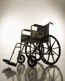 κενή σκιαγραφημένη αναπηρική καρέκλα Στοκ Εικόνα