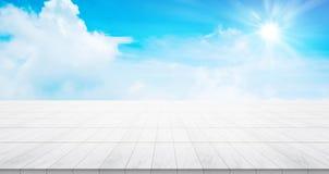 Κενή συγκεκριμένη κορυφή πατωμάτων για το προϊόν επίδειξης ή montage Στοκ εικόνες με δικαίωμα ελεύθερης χρήσης