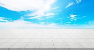 Κενή συγκεκριμένη κορυφή πατωμάτων για το προϊόν επίδειξης ή montage Στοκ φωτογραφία με δικαίωμα ελεύθερης χρήσης