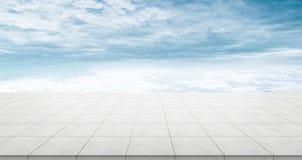 Κενή συγκεκριμένη κορυφή πατωμάτων για το προϊόν επίδειξης ή montage Στοκ Φωτογραφία