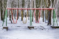 Κενή ταλάντευση στο χειμώνα με το χιόνι Στοκ Εικόνες