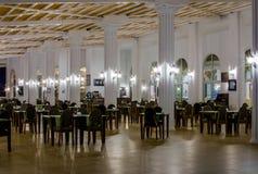 Κενοί πίνακες μετά από το γεύμα στο ξενοδοχείο Στοκ εικόνες με δικαίωμα ελεύθερης χρήσης