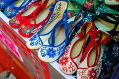 κεντημένα παπούτσια στοκ φωτογραφίες
