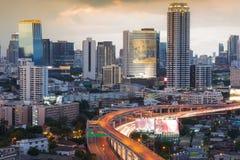 Κεντρική επιχειρησιακή περιοχή της Μπανγκόκ με τον αυτοκινητόδρομο Στοκ Εικόνα