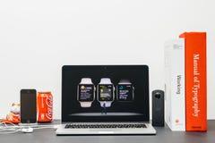 Κεντρική ιδέα της Apple με το ΓΟΥΡΓΟΥΡΙΣΜΑ Jeff Ουίλιαμς και τη σειρά 3 ρολογιών workout Στοκ φωτογραφίες με δικαίωμα ελεύθερης χρήσης