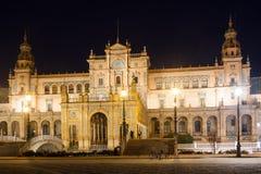 Κεντρική οικοδόμηση Plaza de Espana στη νύχτα Στοκ Εικόνες