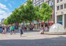Κεντρική οδός στη Στουτγάρδη Στοκ φωτογραφία με δικαίωμα ελεύθερης χρήσης