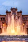 Κεντρική πηγή της δημοφιλούς πλατείας της Ισπανίας, στη Σεβίλη Στοκ Εικόνες