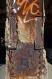 Κεντρική στήλη οδογεφυρών του Μίτσιγκαν που οξυδώνει μακριά στοκ φωτογραφία με δικαίωμα ελεύθερης χρήσης