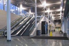 Κεντρικοί λόμπι και διάδρομος διέλευσης Στοκ Εικόνες
