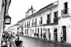 Κεντρικός δρόμος στη λευκιά πόλη popayan Κολομβία Νότια Αμερική στοκ εικόνες με δικαίωμα ελεύθερης χρήσης