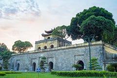 Κεντρικός τομέας του πανοράματος της αυτοκρατορικής ακρόπολης Thang μακριάς, πολιτιστικός ο σύνθετος περιλαμβάνοντας τη βασιλική  στοκ φωτογραφία