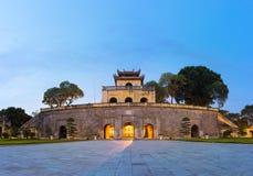 Κεντρικός τομέας του πανοράματος της αυτοκρατορικής ακρόπολης Thang μακριάς, πολιτιστικός ο σύνθετος περιλαμβάνοντας τη βασιλική  στοκ φωτογραφία με δικαίωμα ελεύθερης χρήσης
