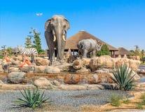 Κεντρικό γλυπτό των άγριων ζώων στο πάρκο σαφάρι του Ντουμπάι Στοκ φωτογραφία με δικαίωμα ελεύθερης χρήσης