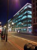 Κεντρικό γραφείο Google στο Λονδίνο UK, τη νύχτα Στοκ Εικόνες
