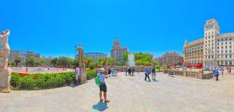 Κεντρικό διάσημο τετράγωνο της Βαρκελώνης - Placa de Catalunia Το MOS Στοκ Εικόνες