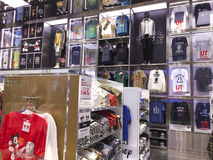 Κεντρικό κατάστημα οπωρώνων Uniqlo, Σιγκαπούρη Στοκ φωτογραφία με δικαίωμα ελεύθερης χρήσης