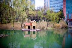 Κεντρικό πάρκο xujiahui της Σαγκάη την παραμονή του φεστιβάλ ανοίξεων Στοκ εικόνες με δικαίωμα ελεύθερης χρήσης