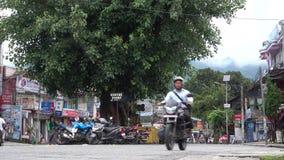 Κεντρικό σημείο όχθεων της λίμνης Pokhara απόθεμα βίντεο