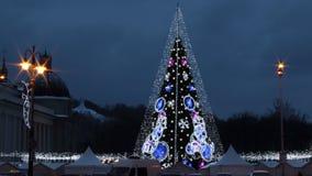 Κεντρικό τετράγωνο καθεδρικών ναών σε Vilnius, Λιθουανία, χριστουγεννιάτικο δέντρο 2018 στοκ φωτογραφίες με δικαίωμα ελεύθερης χρήσης